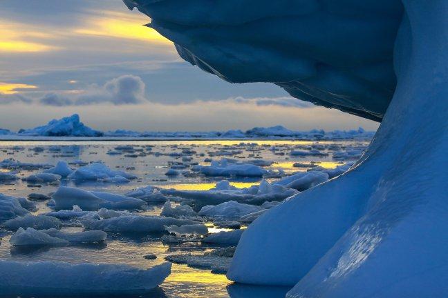De avond valt op Antarctica
