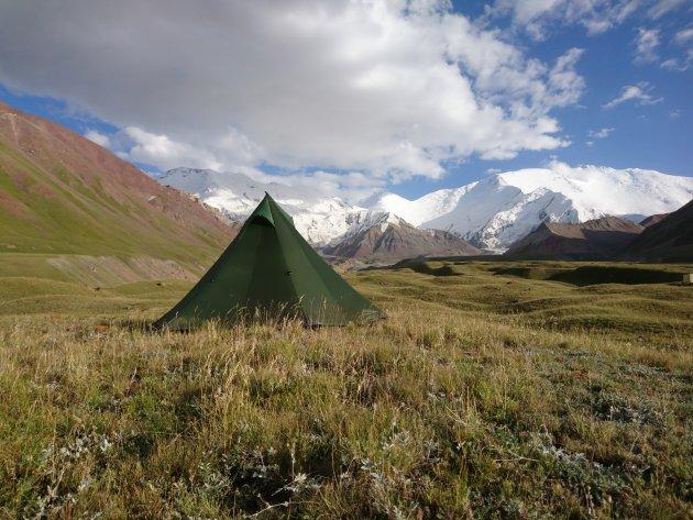 Roadtrip in Kirchizie, base camp Lenin peak, camping with a view