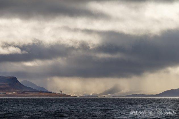 Nog net zicht op Barentszburg