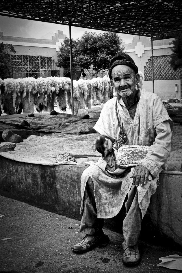 Fez, Marokko de werkelijkheid van het werk in de leerindustrie