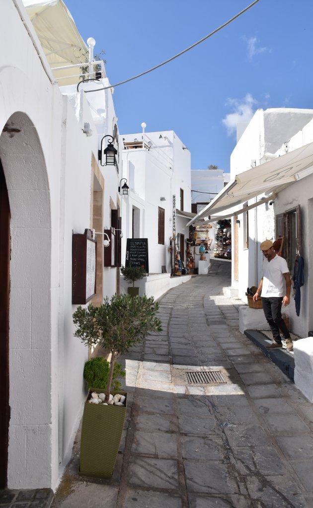 Typisch Grieks straatje.