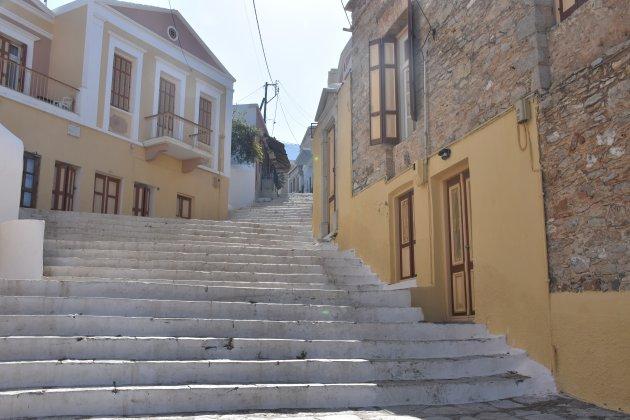380 traptreden in Symi