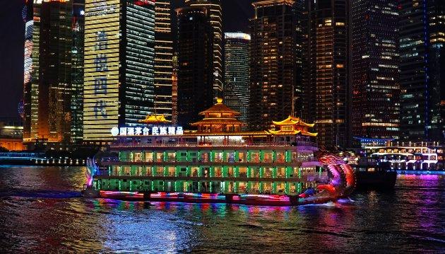 Sprookjesboot op de Huangpo rivier