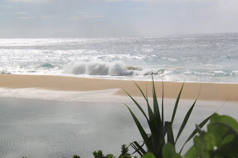 Grenzen zoeken tussen land en water aan de Na pali Coast
