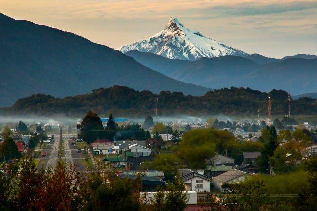 Zonsopkomst in Chaitén in Chileens Patagonië