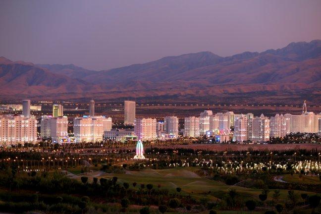 Ashghabat, een bizarre hoofdstad