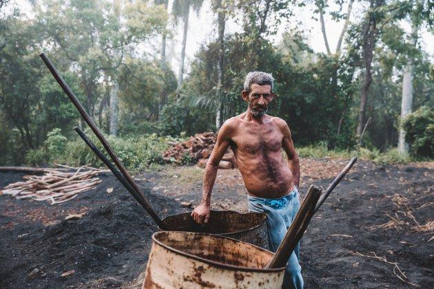 Houtskool-maker