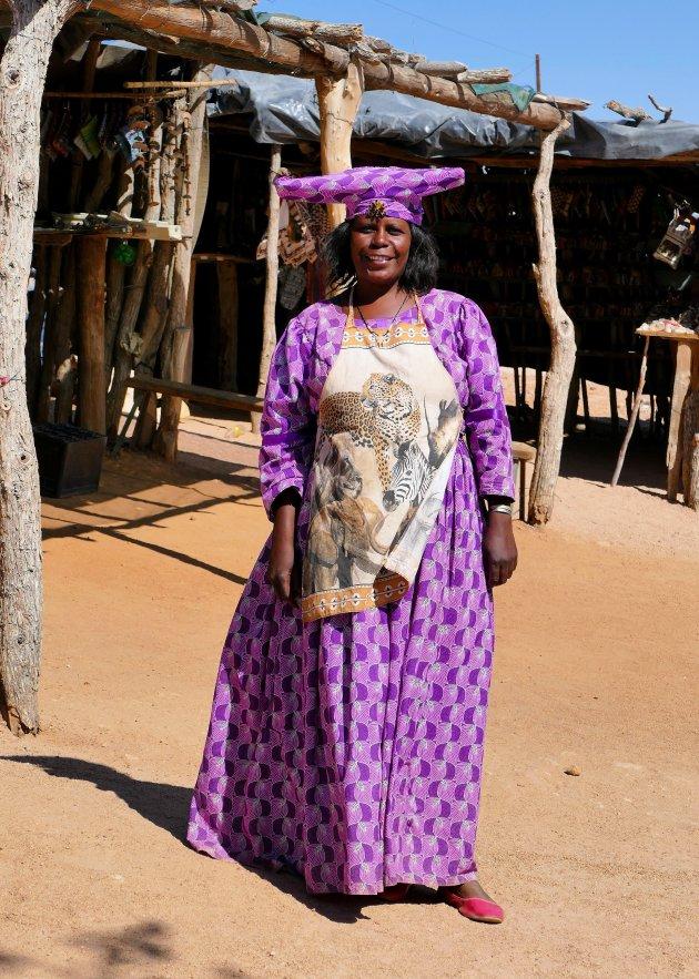 Herero vrouw in traditionele kleding