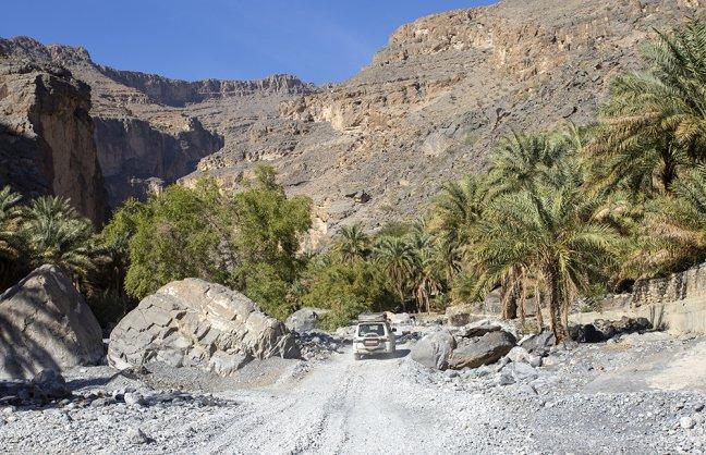 rijden door de Grand Canyon van Oman