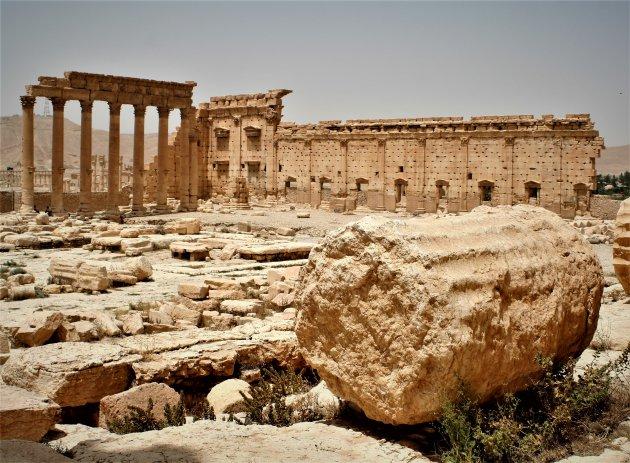 De ooit majestueuze tempel van Bel in Palmyra