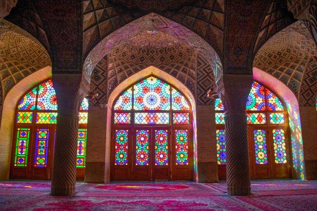 De Roze moskee; de stilte voor de storm
