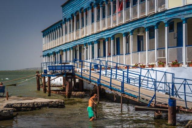 Zeewier verwijderen aan de Zwarte zee