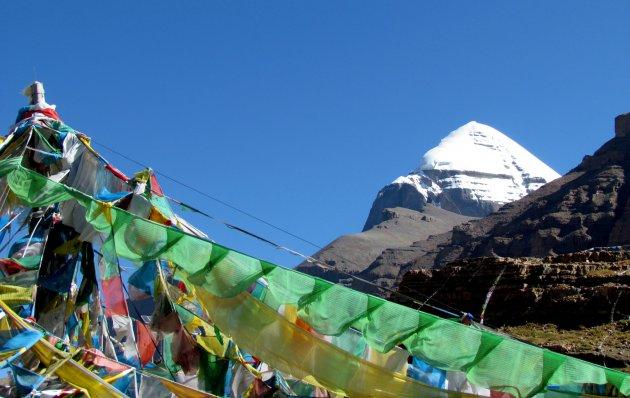 Heilige vlaggetjes voor heilige berg