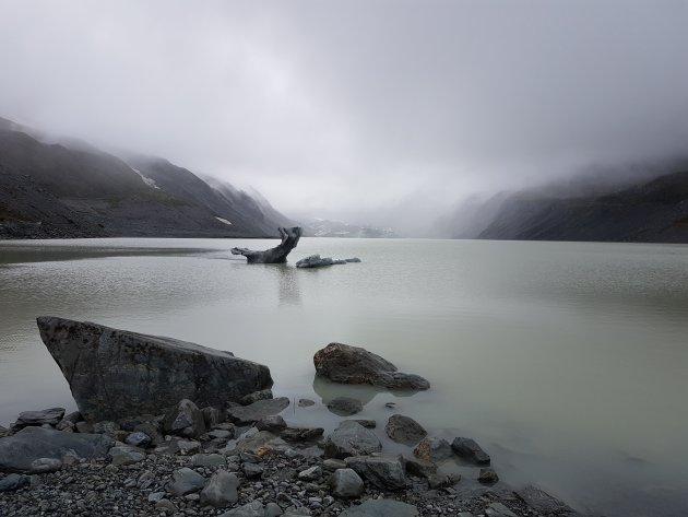Ijsberg in Hooker Lake