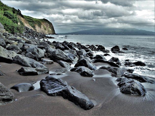 Zwart strand in Horta