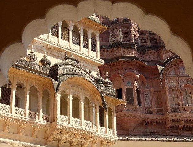 Doorkijkje binnen Mehrangarh Fort