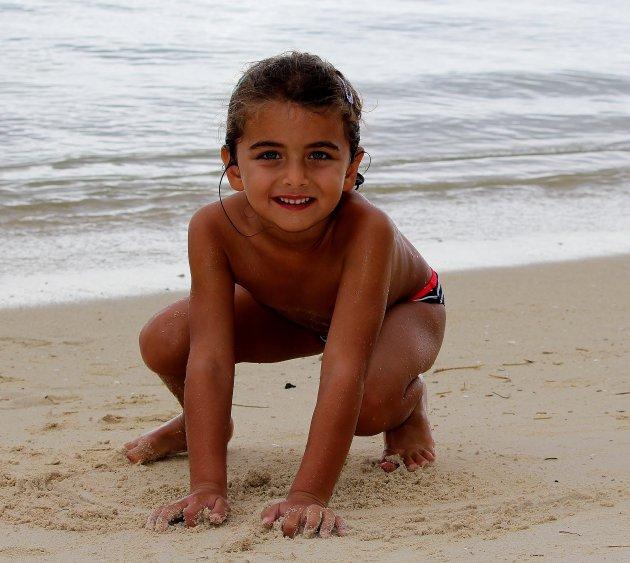 En dan.....lekker spelen met water en zand!