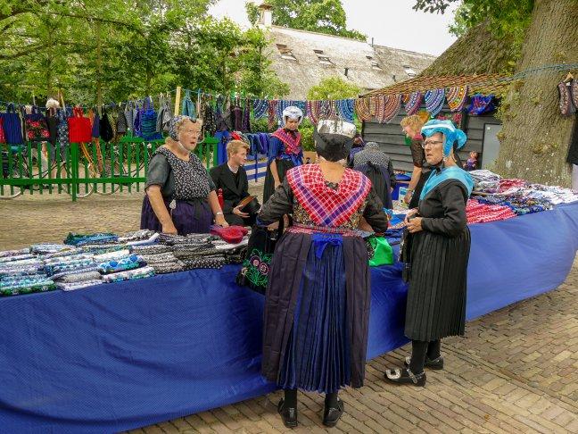 De lapjesmarkt in Staphorst