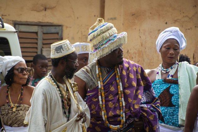 Start Voodoo festival bij de python tempel met veel chiefs en hoogwaardigheidsbekleders
