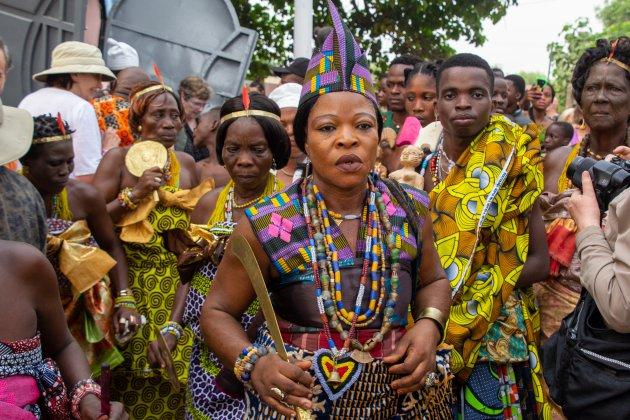 Na afloop van de ceremonie in de Python tempel start het Voodoo festival