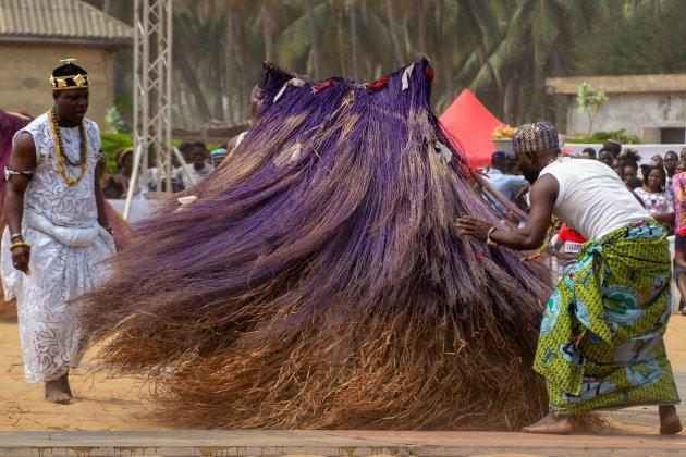 Zangbetos dans tijdens Voodoo festival