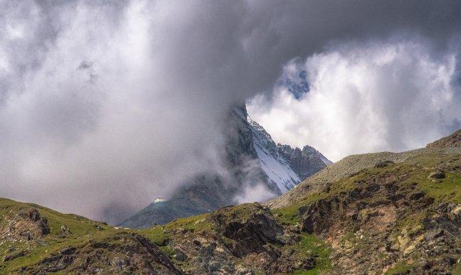 Matterhorn in de wolken