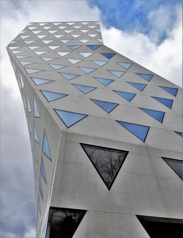 Provinciehuis Antwerpen met zwenking