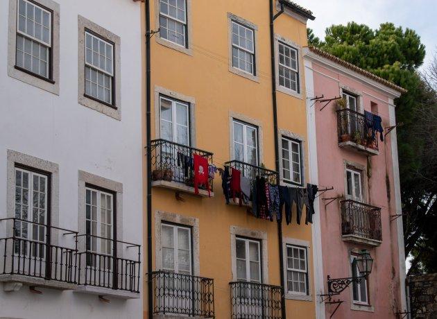 Hang de was maar buiten (Lissabon, Portugal)