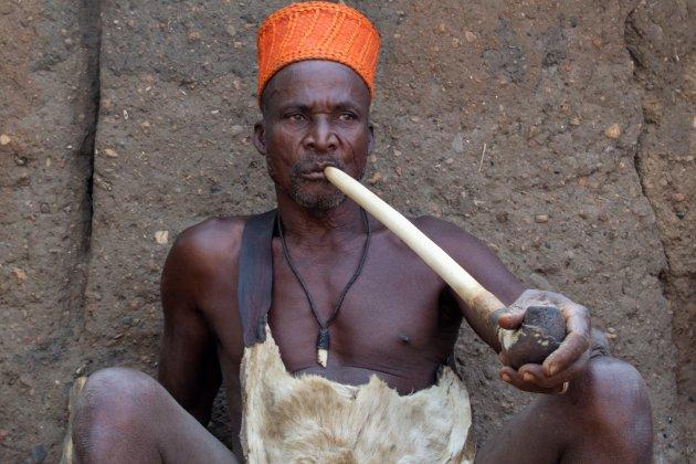 Hoogwaardigheidsbekleder in Somba-vallei