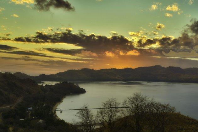 Sundown op Flores