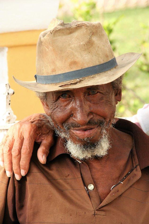 Op een bankje in Baracoa