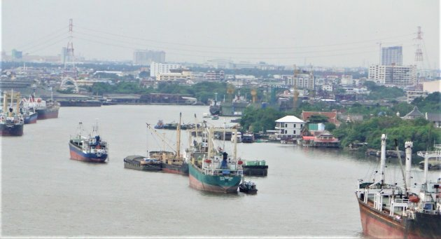 De haven van Bangkok.