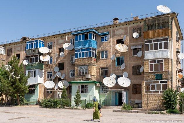 Schotelantennes in Turkmenabat