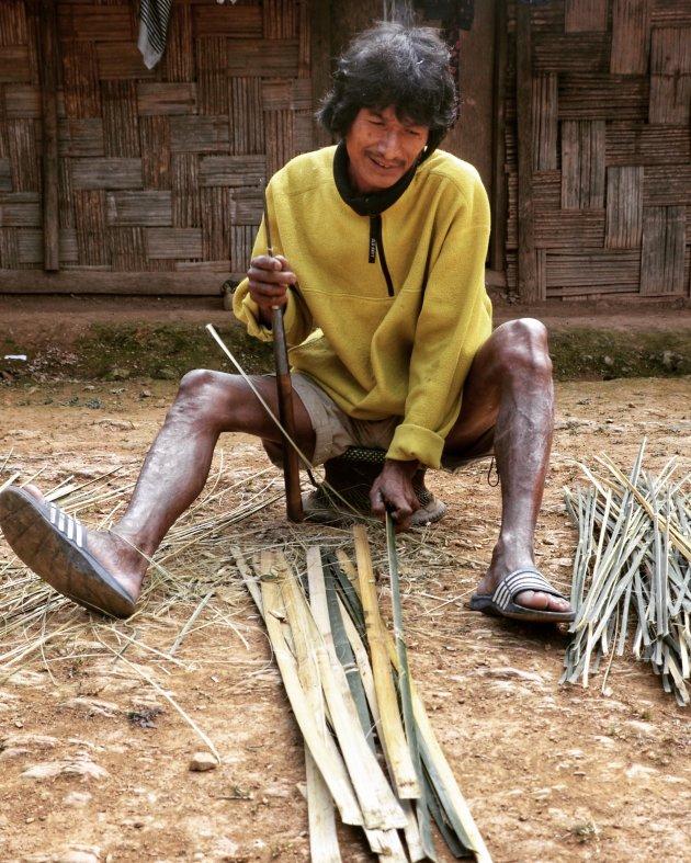 Het snijden van bamboe