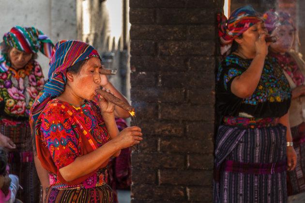 Mayaritueel in Chichicastenango