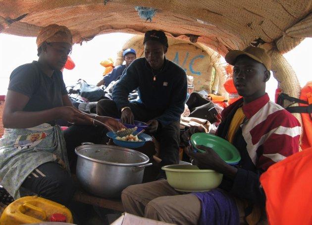 Eten op de Niger