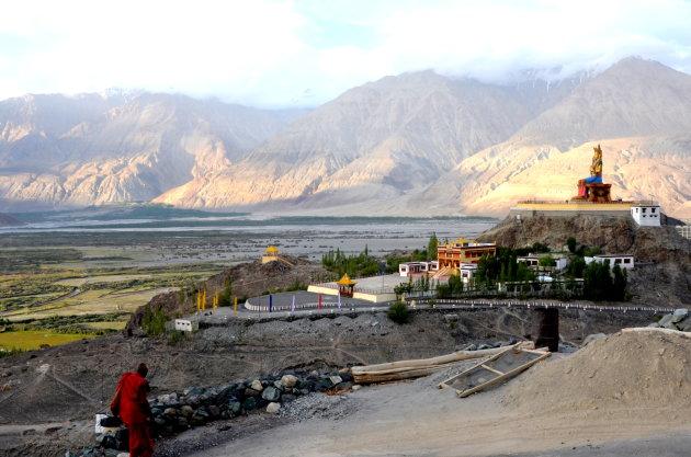 Omgeving Diskit klooster.