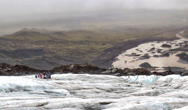 aan de wandel op de gletsjer