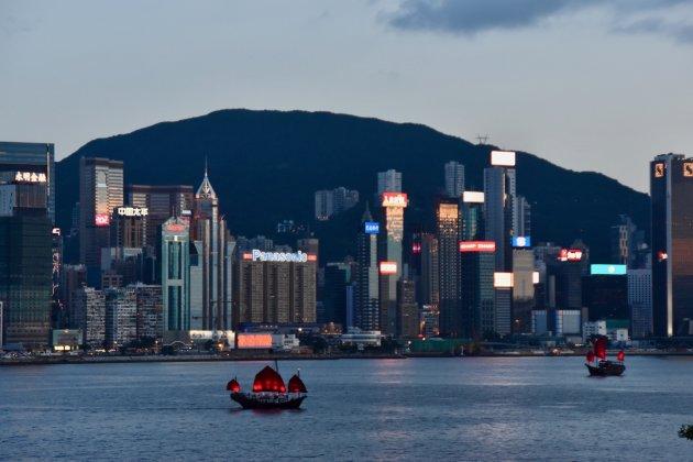 De avond valt in Hongkong