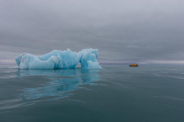 Een onschuldig blauw blokje ijs?