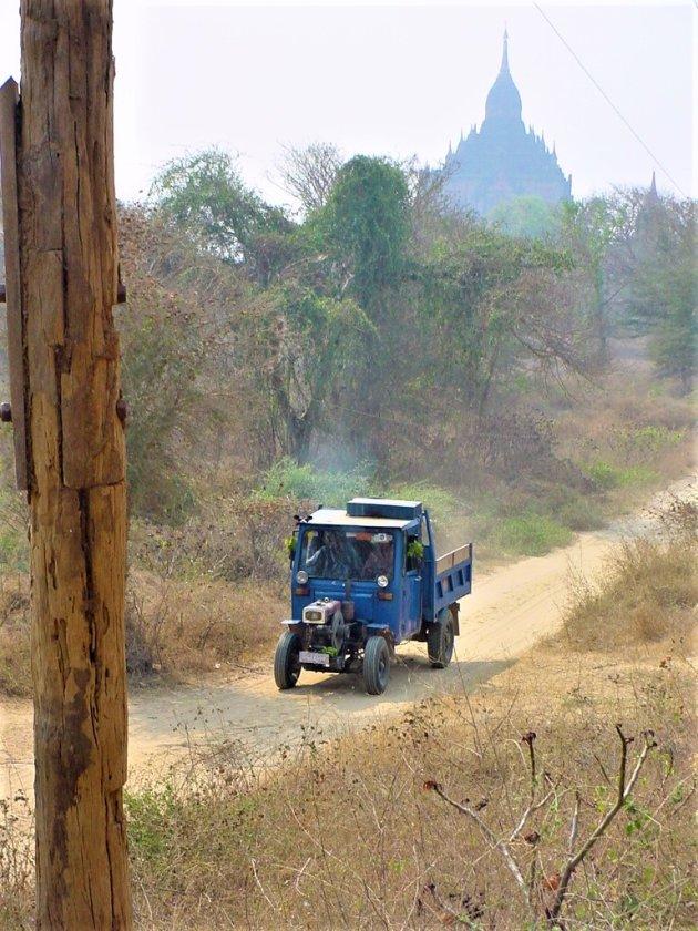 Birmese Vrachtwagen.