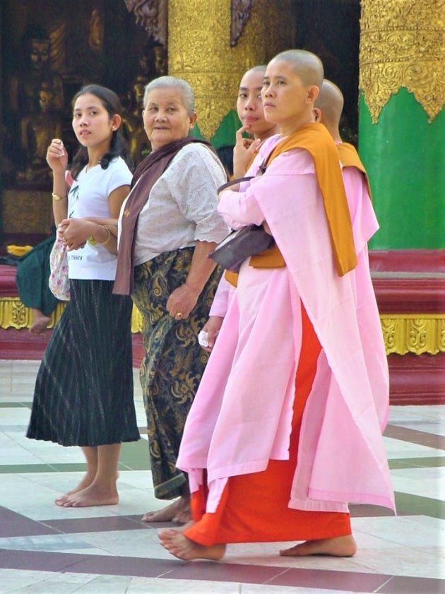 Boeddhistische Nonnen.