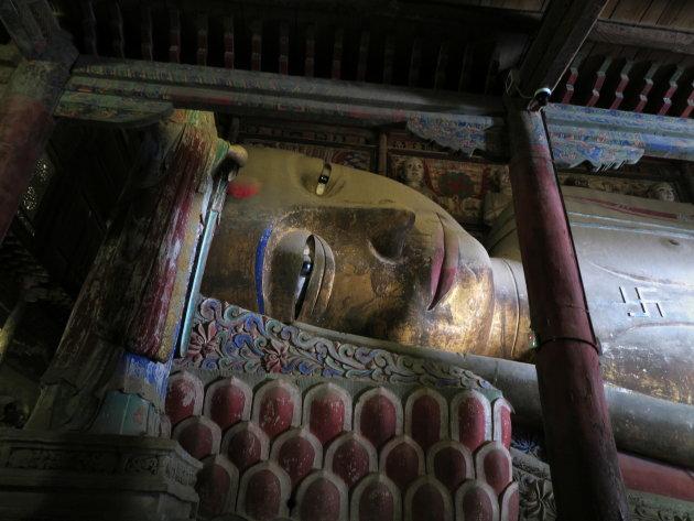 Grote liggende boeddha