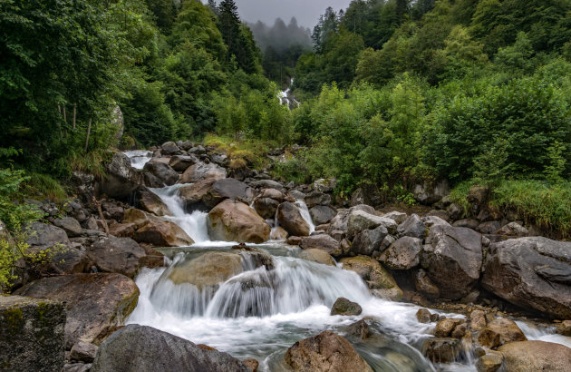 Tel de watervallen bij Pont d'Espange