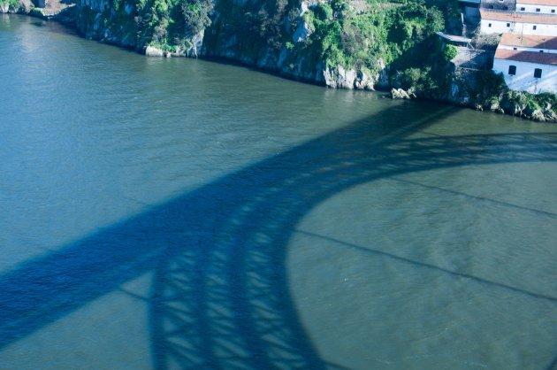 Ceci n'est pas un pont