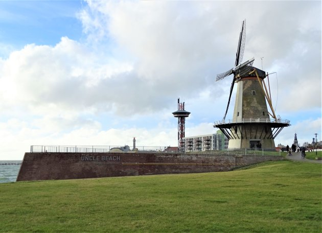 De Oranje molen.