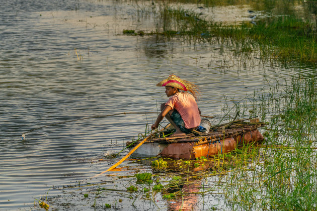 Visser aan Awassa meer