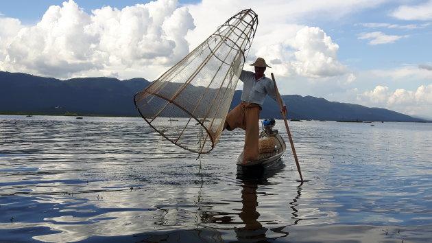 Myanmar, visser op het Inle lake