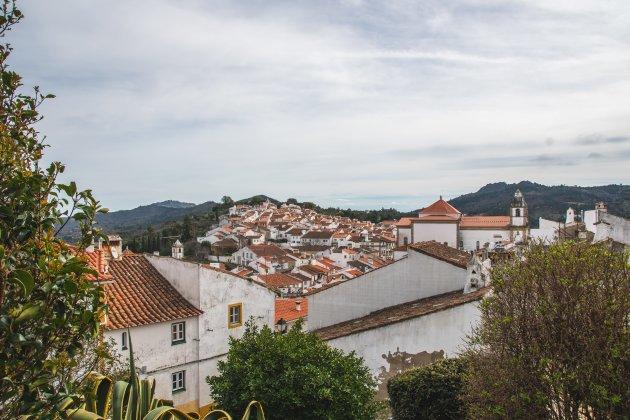 Een dorp op de rots