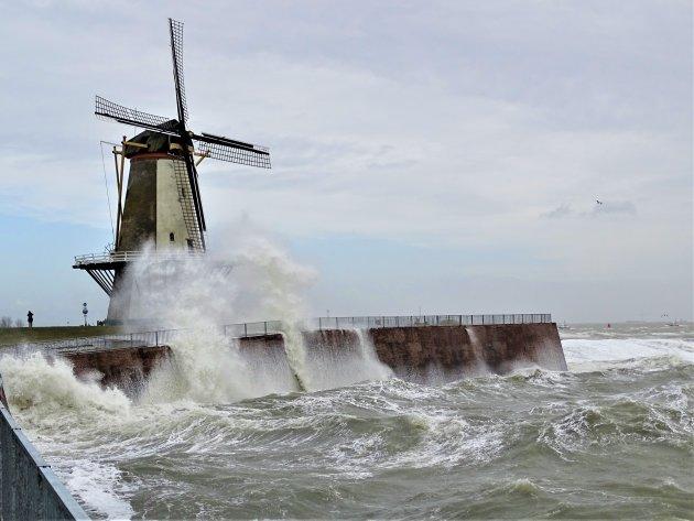 Storm op de Schelde.